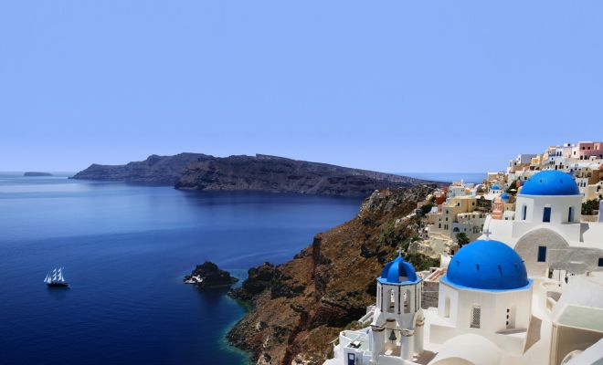 10 things you must do in Santorini